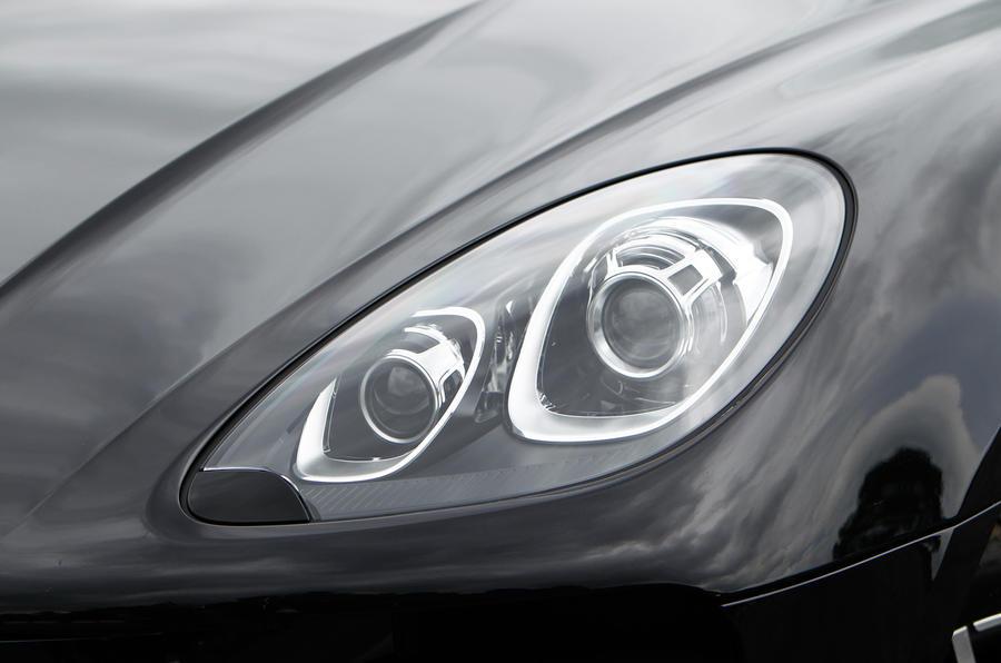 Porsche Macan headlights