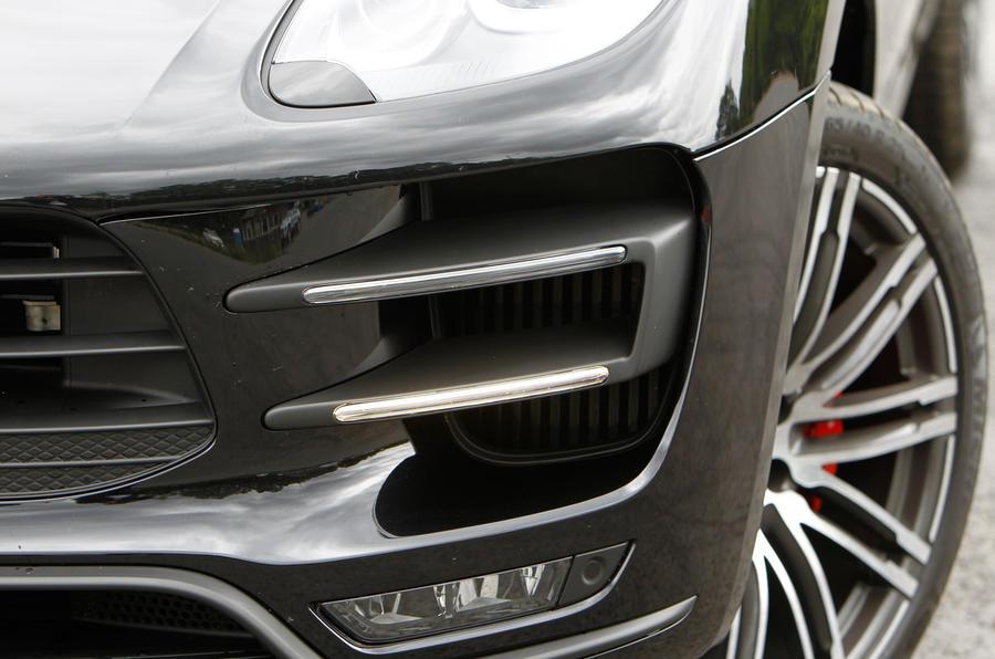 Porsche Macan air intakes