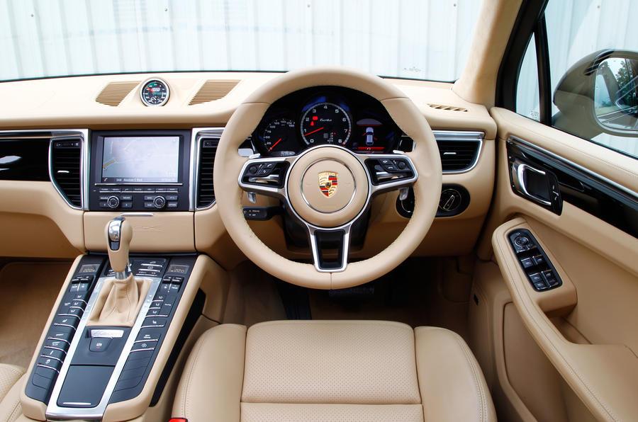Porsche Macan dashboard