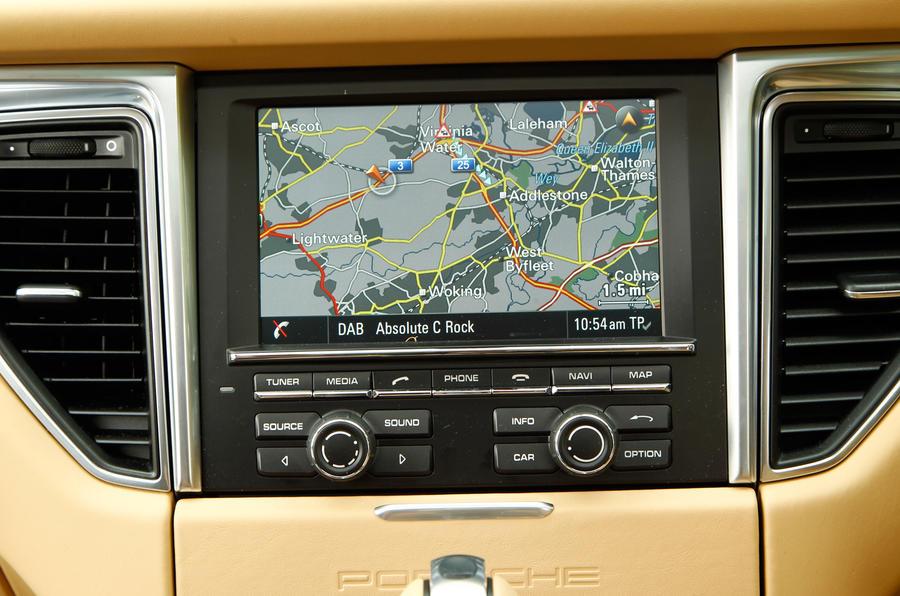 Porsche Macan infotainment screen