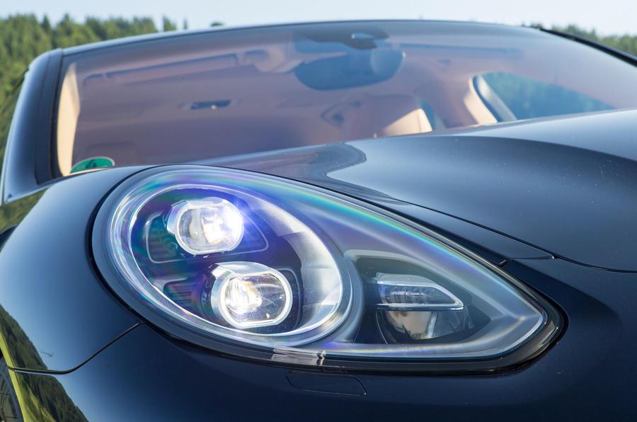Porsche Panamera bi-xenon headlights