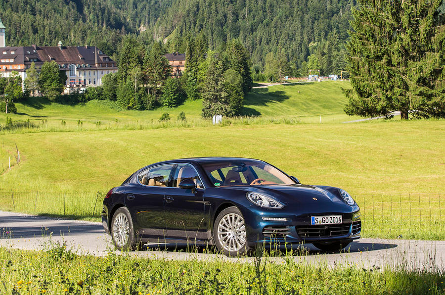 4 star Porsche Panamera