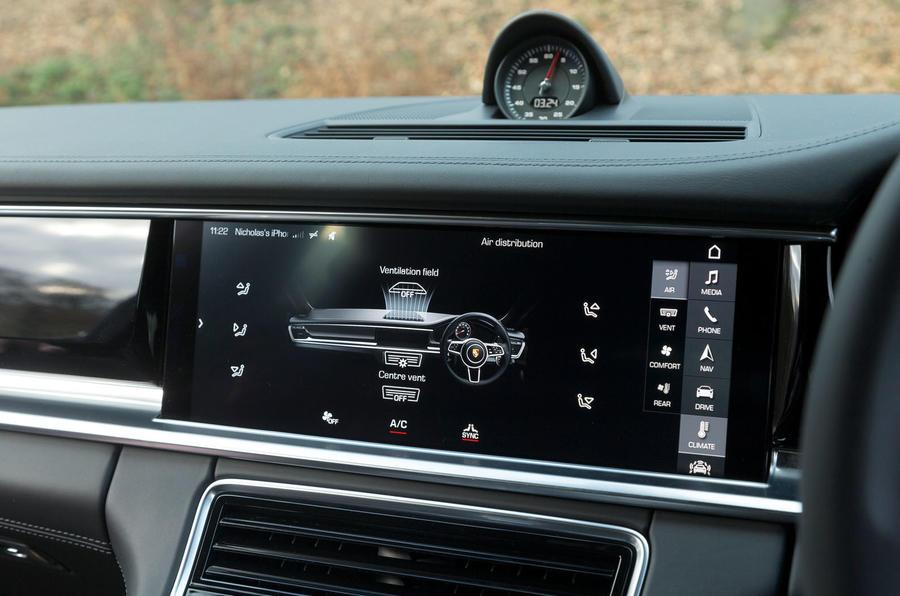 Porsche Panamera infotainment system