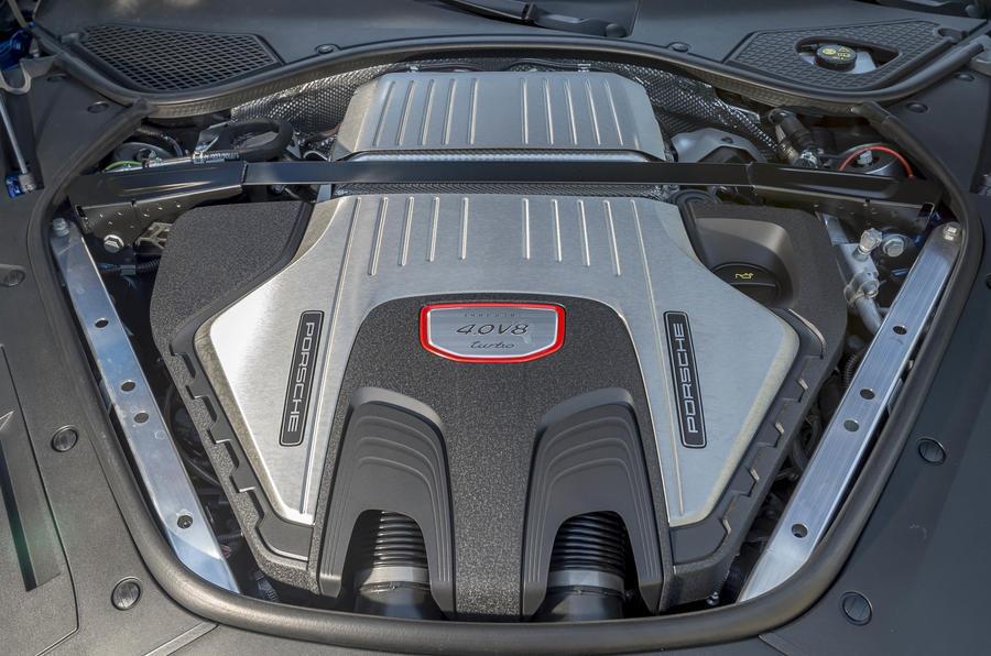 4.0-litre V8 Porsche Panamera Sport Turismo Turbo engine