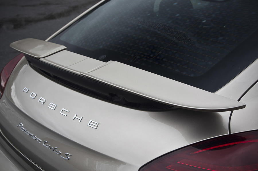 Porsche Panamera Turbo S rear wing
