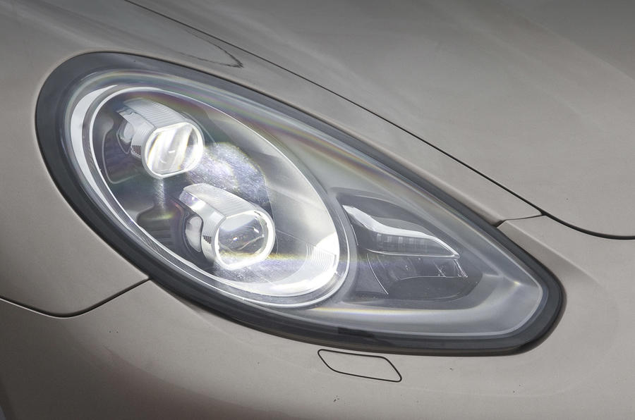 Porsche Panamera Turbo S headlights