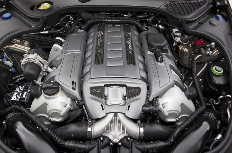 4.8-litre V8 Porsche Panamera Turbo S engine