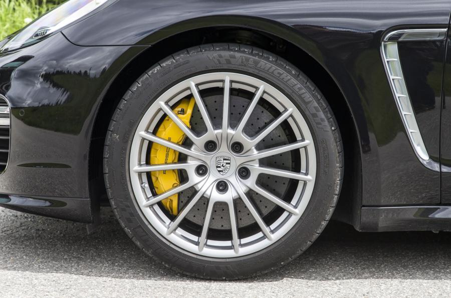 Porsche Panamera Turbo 20in alloys