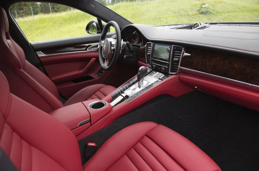 Porsche Panamera Turbo interior