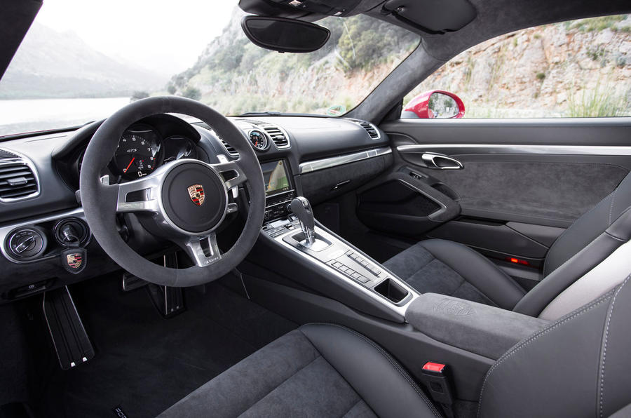 Porsche Cayman GTS dashboard