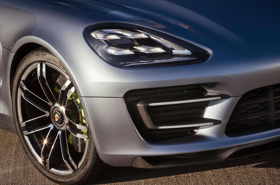 Porsche Panamera Sport Turismo front diffuser
