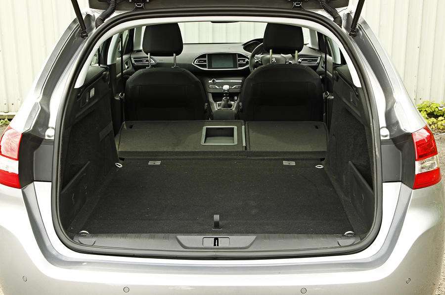 Peugeot 308 SW boot space