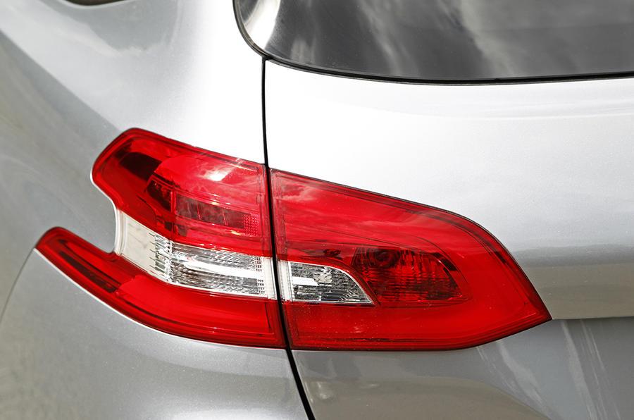 Peugeot 308 SW rear lights