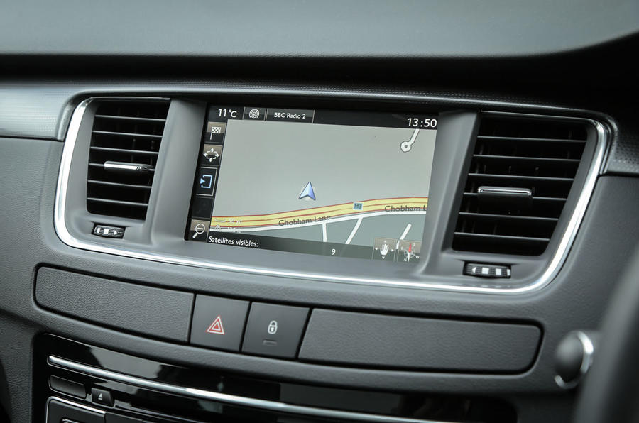 Peugeot 508 RXH infotainment system