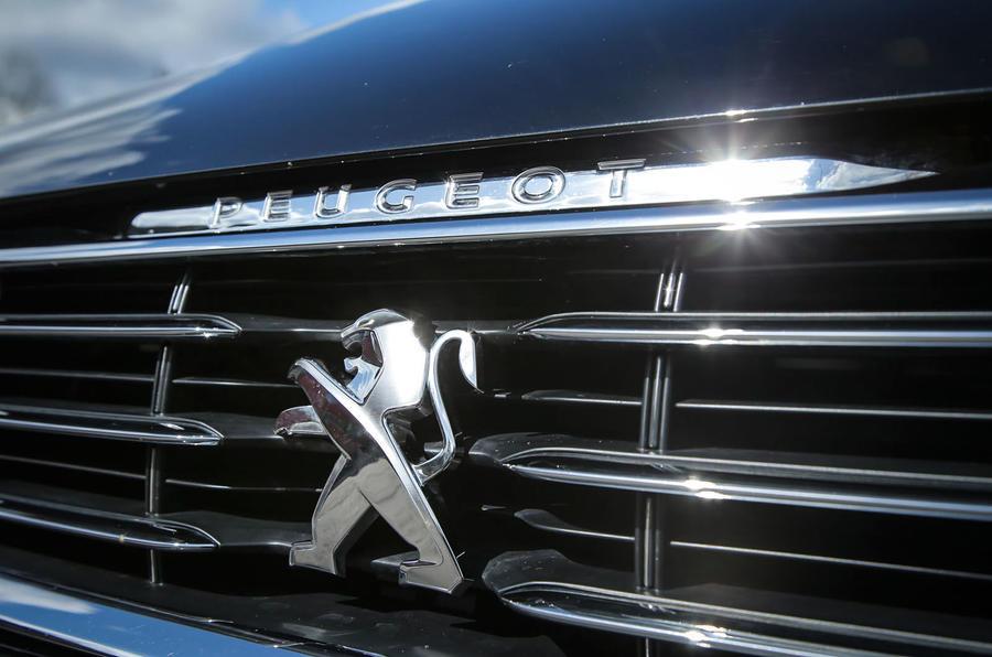 Peugeot 508 RXH front grille