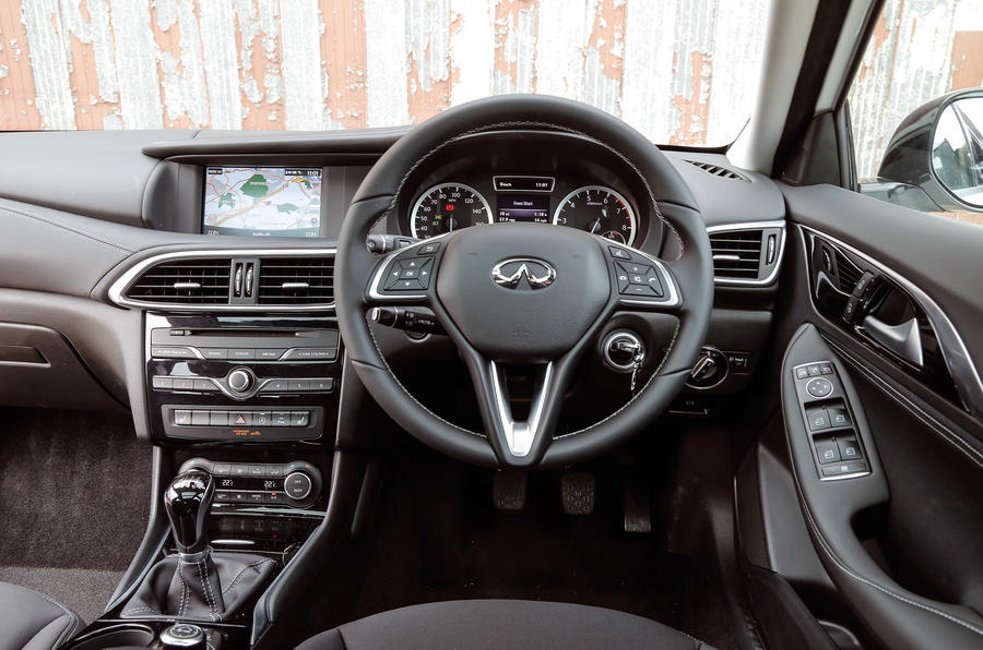 infiniti q30 interior autocar. Black Bedroom Furniture Sets. Home Design Ideas