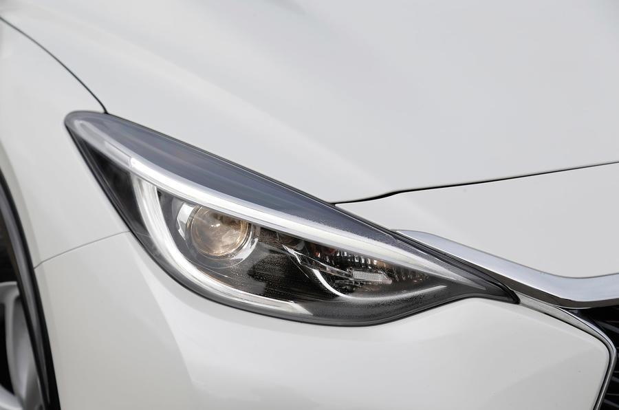 Sculpted Infiniti Q30 headlight