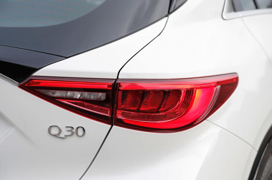 Infiniti Q30 rear LED light