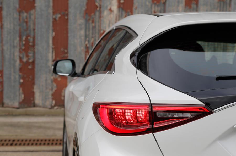 Infiniti Q30 rear end