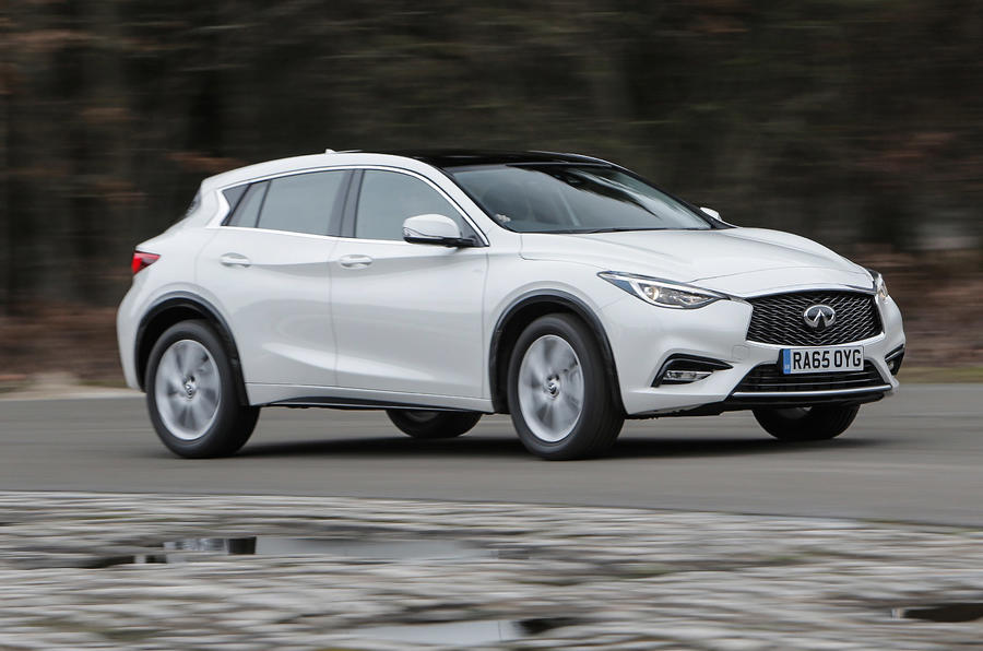 Infiniti Q30 side profile