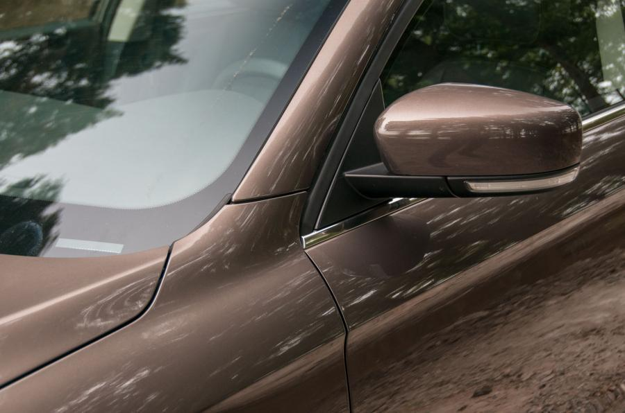 Qoros 3 wing mirror
