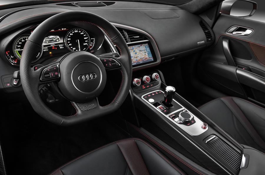 Audi R8 e-tron interior