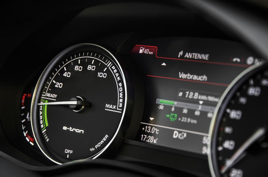 ... Audi R8 E Tron Instrument Cluster ...