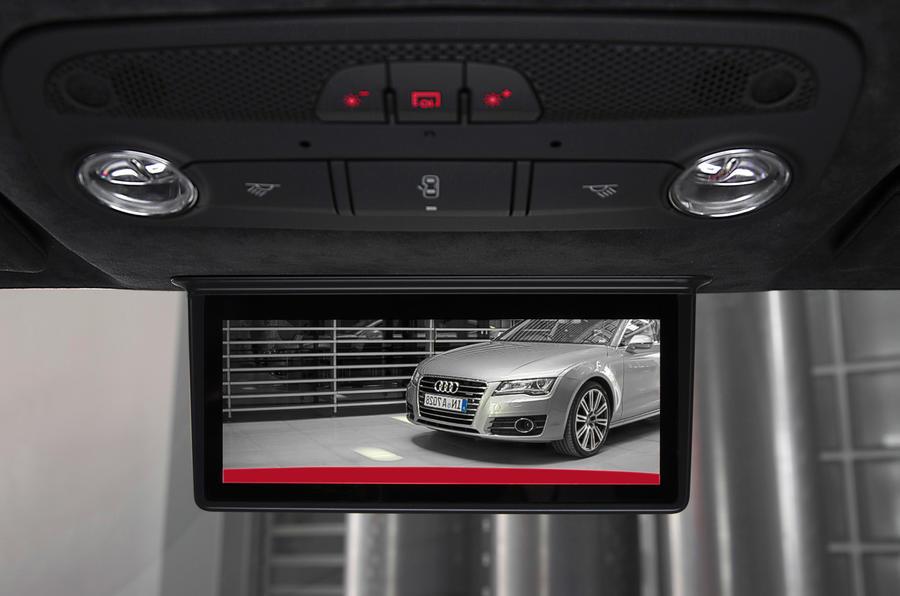 Audi R8 e-tron's AMOLED rear view display