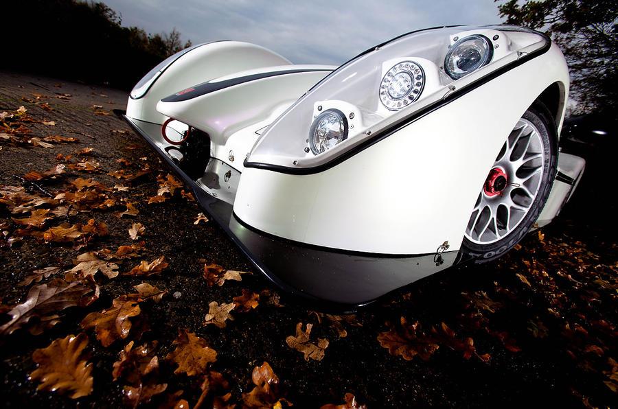 Radical SR3 SL headlights