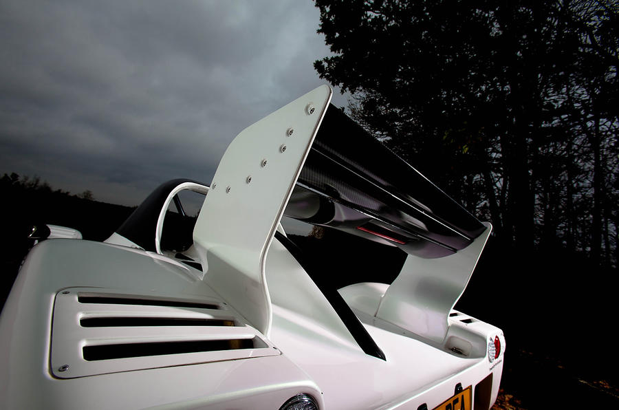 Radical SR3 adjustable rear wing