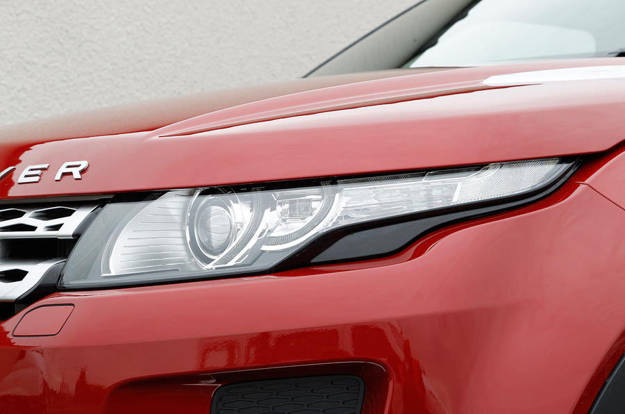 Range Rover Evoque narrow headlights