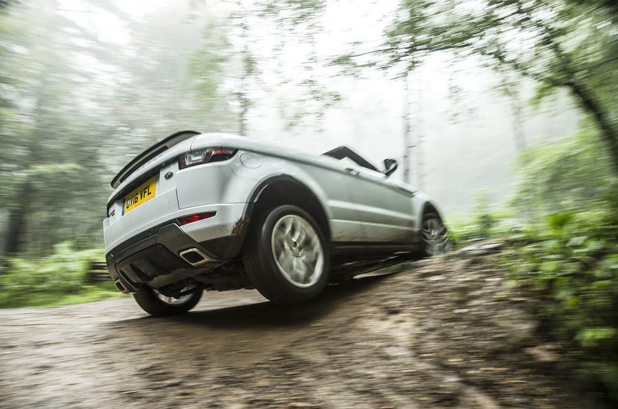 Range Rover Evoque Convertible axle articulation