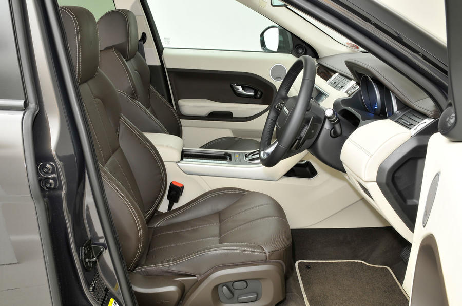 land rover range rover evoque interior autocar. Black Bedroom Furniture Sets. Home Design Ideas