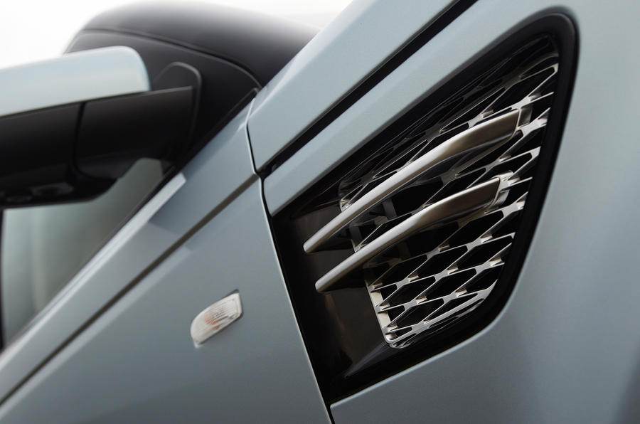 Range Rover Sport wing vents