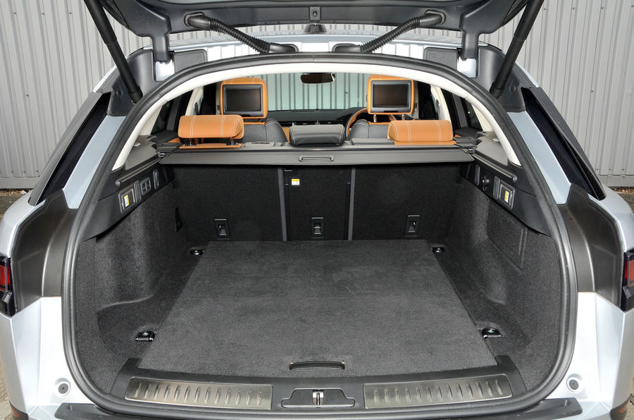 Range Rover Velar boot space