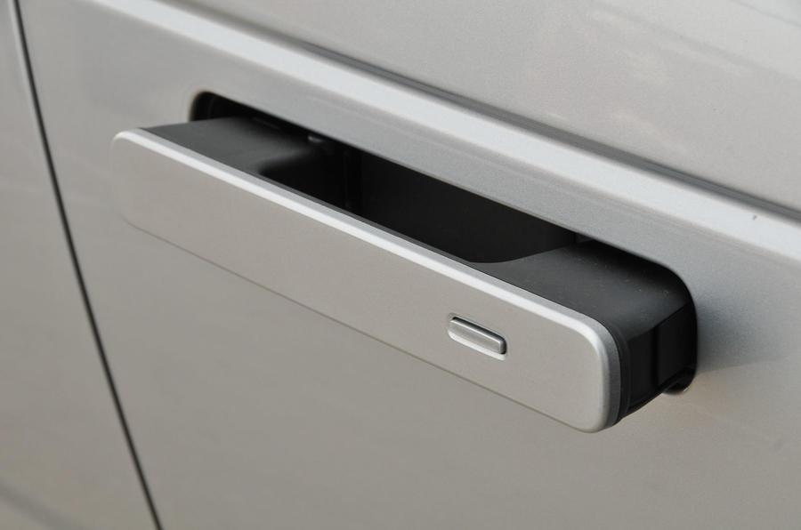 Range Rover Velar pop-out door handles