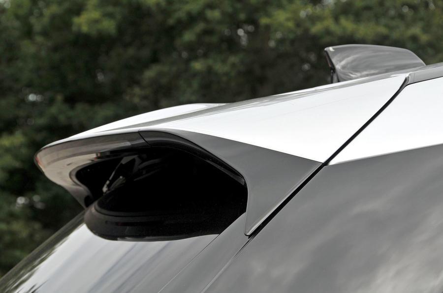 Range Rover Velar roof spoiler