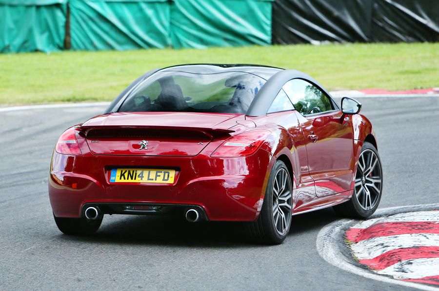 Performance coupe special - Toyota GT86 versus Peugeot RCZ R