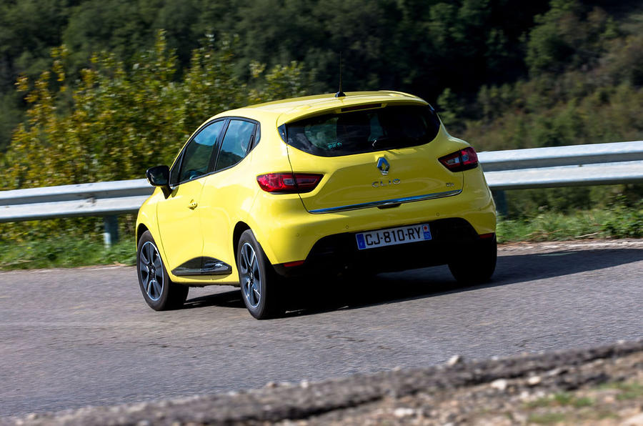 Renault Clio rear cornering