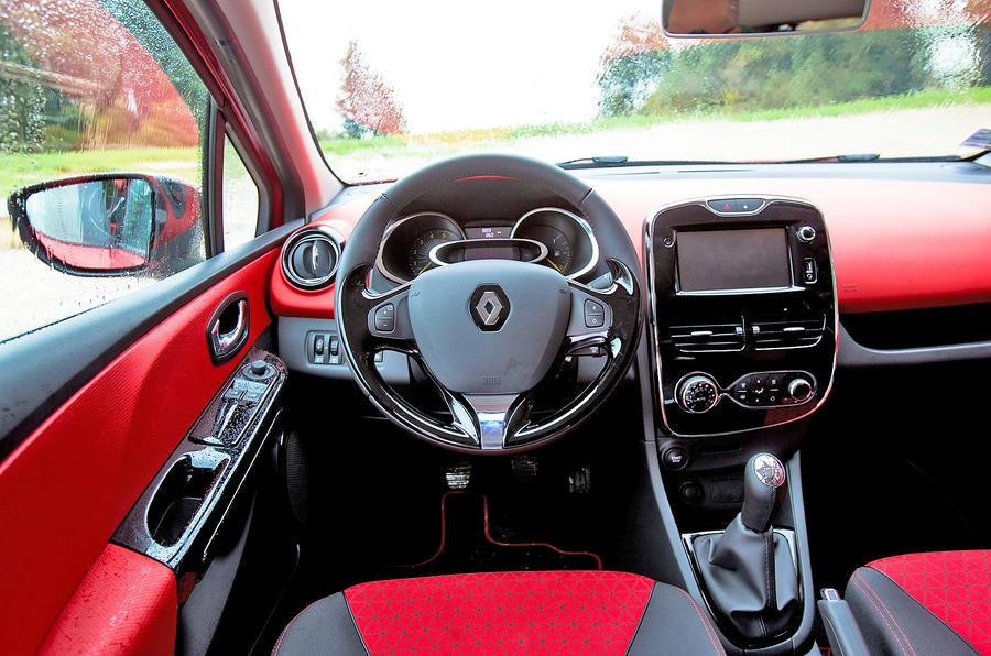Renault Clio dashboard