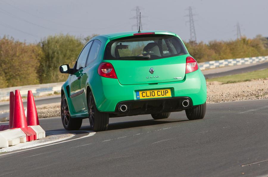 Renault Clio RS rear cornering