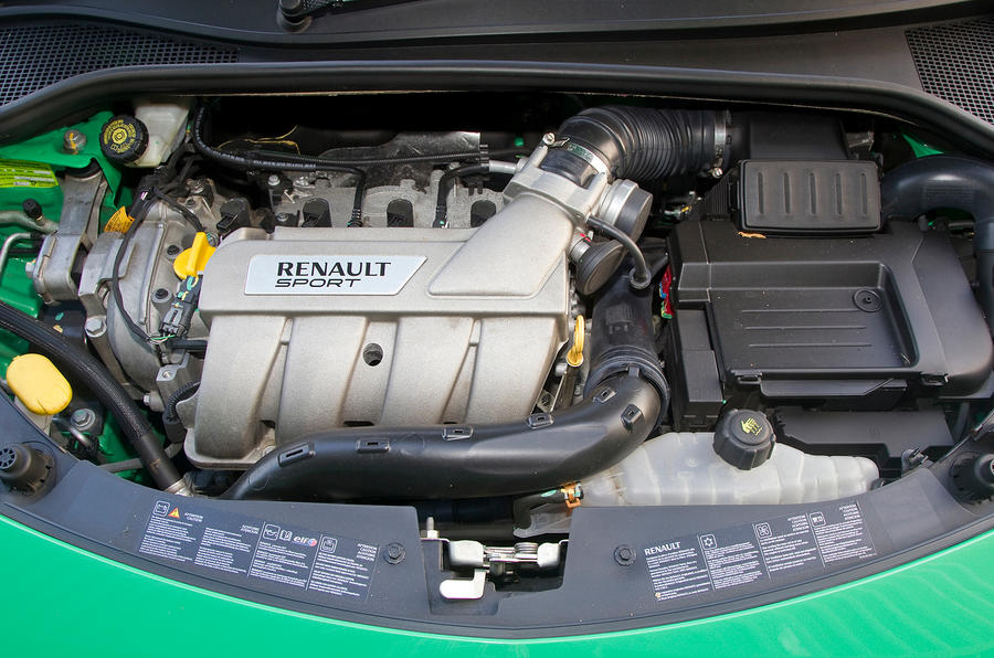 2.0-litre Renault Clio RS engine