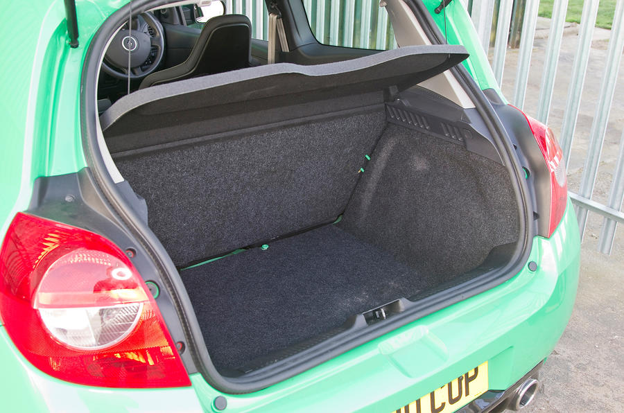 Renault Clio Renaultsport boot space