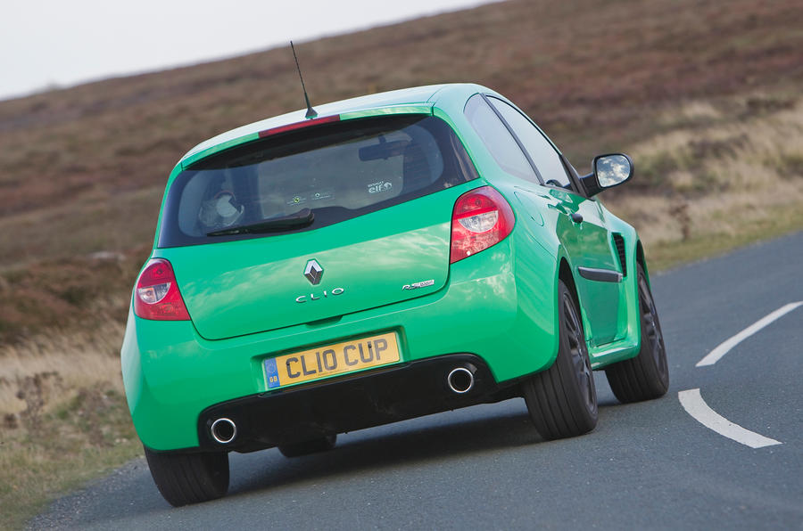 Renault Clio RS rear cornering