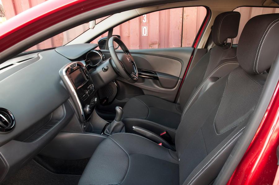 renault clio interior autocar. Black Bedroom Furniture Sets. Home Design Ideas