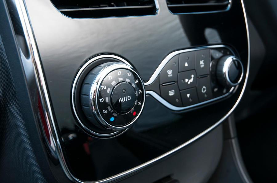 Renault Clio air conditioning