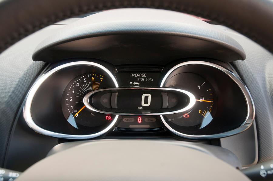Renault Clio instrument cluster