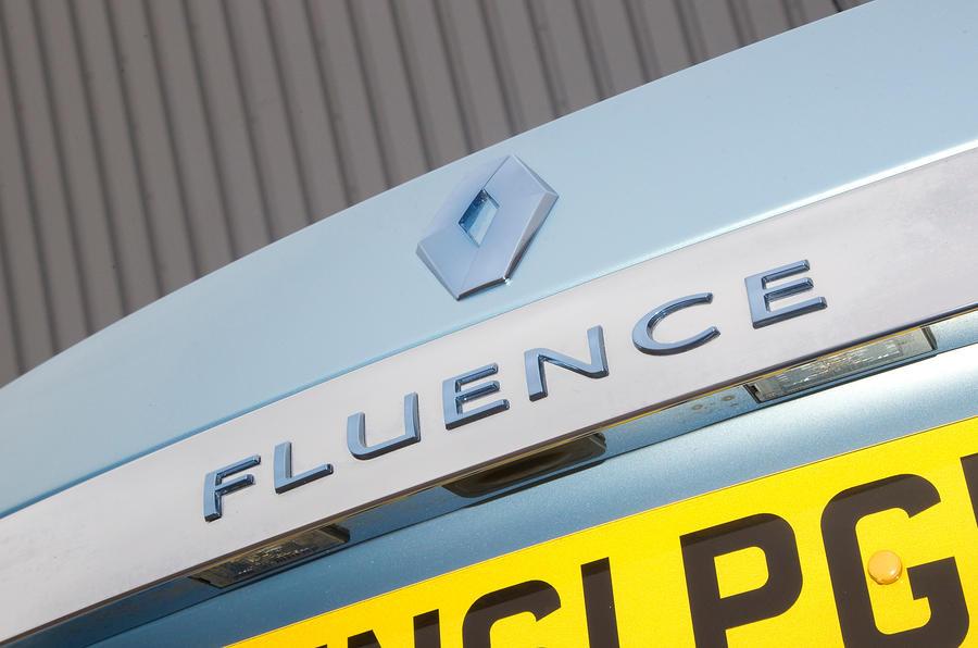 Renault Fluence badging