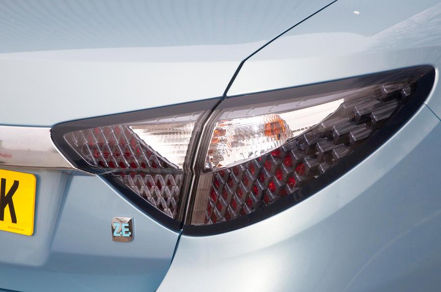 Renault Fluence rear light