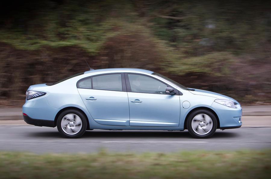 Renault Fluence side profile